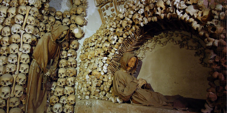 dark tourism to Rome